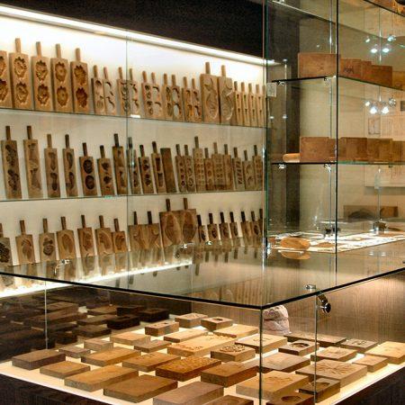 Tamura Manseido Wooden Model Display (Tamura Manseido Kigatakan)