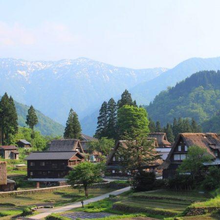 The Gassho-zukuri Village of Ainokura