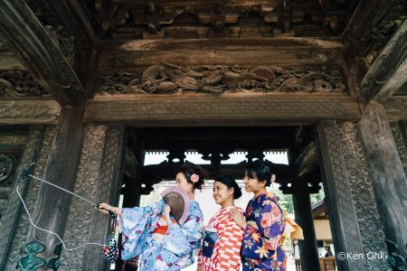 Wearing Kimono in Inami and on the Shogawa River Course