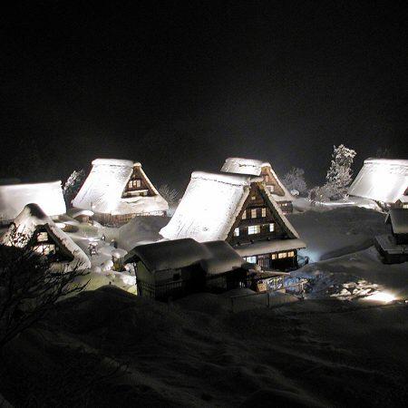 菅沼合掌造り集落冬のライトアップ