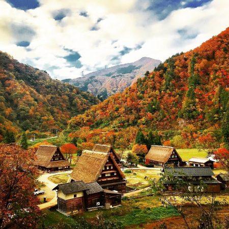 自然と文化にふれる里山ガイドウォーキング ~秋の風薫る仲秋から山燃ゆる晩秋の五箇山 ~【NEW】