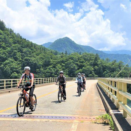 【南砺市民限定モニターツアー】E-bikeで走る!世界遺産五箇山でサイクリング